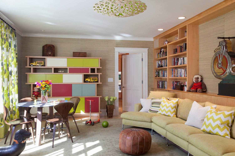 Salón combinado con distintos colores adaptado a la primavera